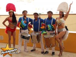Animación de fiestas / Shows y performance / Batucada, Zancos