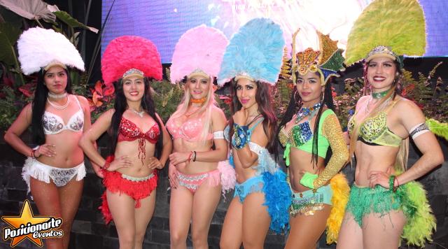 Batucada y Zanqueros para Desfiles y Carnavales